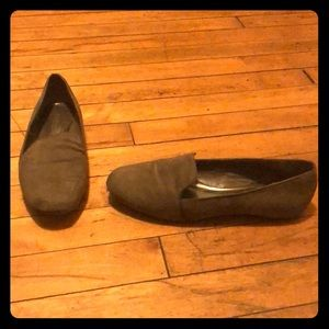 Bakers taupe loafers. Size 7.